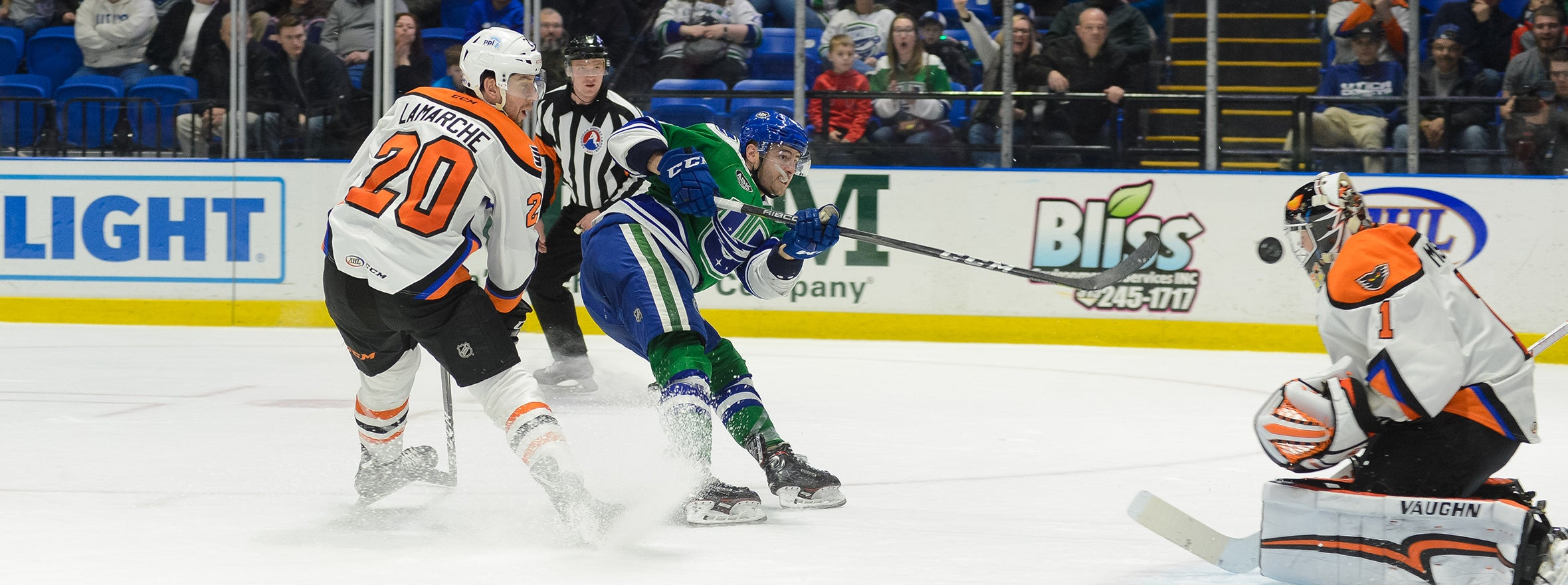 COMETS POINT STREAK SNAPPED BY PHANTOMS