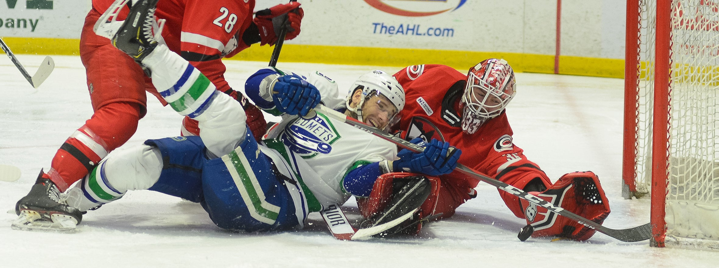 COMETS STIFLED BY CHARLOTTE DEFENSE