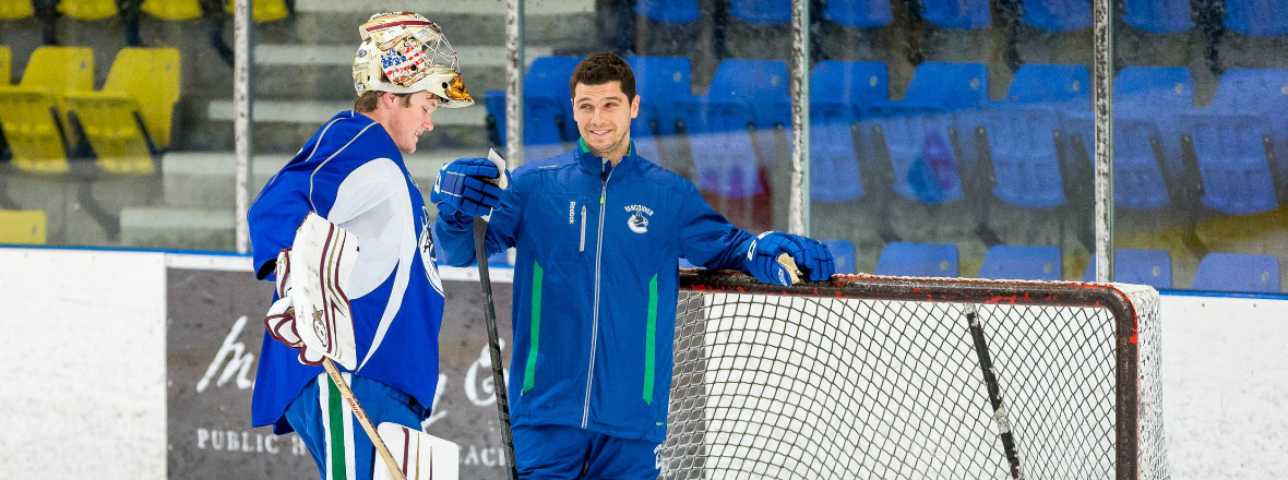 Canucks Name Dan Cloutier Goaltending Coach