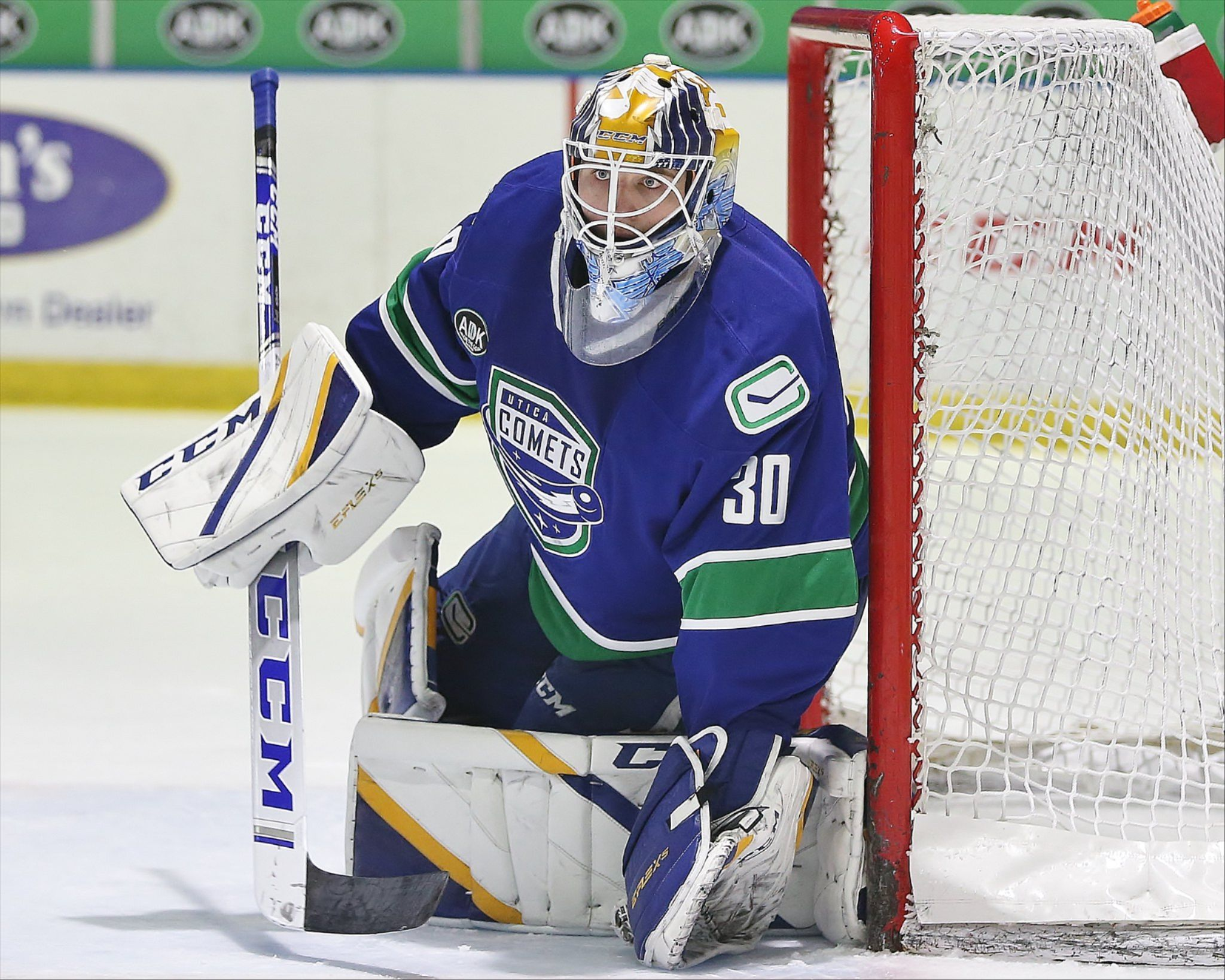 COMETS DOWN CRUNCH IN HOFER'S FIRST WIN