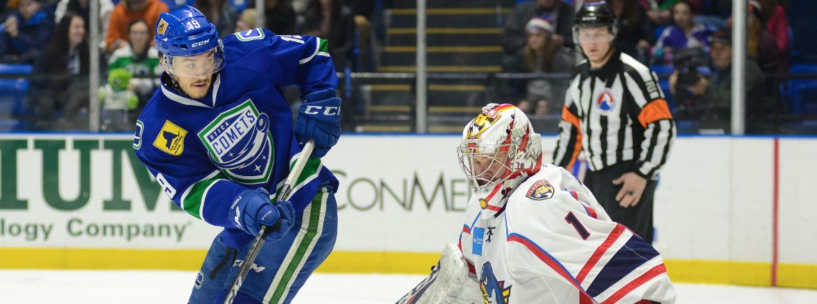 COMETS WIN STREAK ENDED BY THUNDERBIRDS