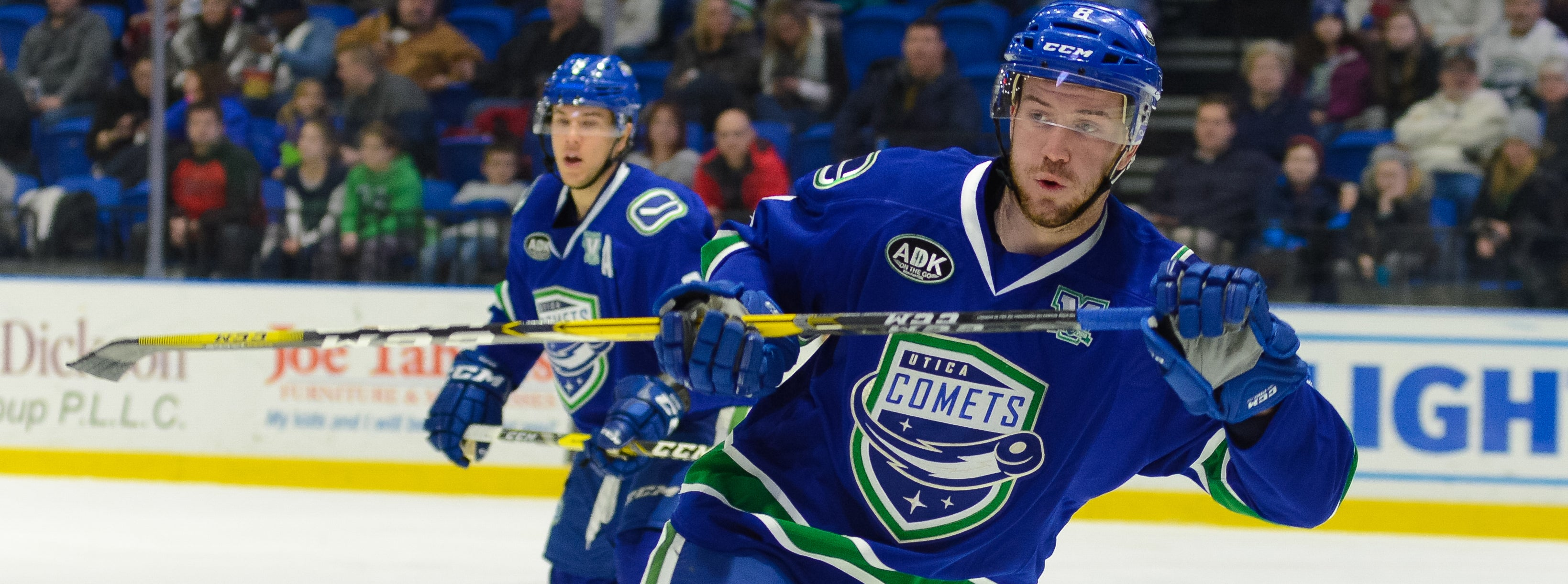 COMETS SIGN VINCENT ARSENEAU AND DYLAN BLUJUS