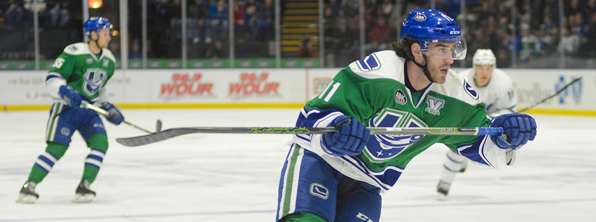 COMETS SIGN FORWARD CAM DARCY TO AHL CONTRACT