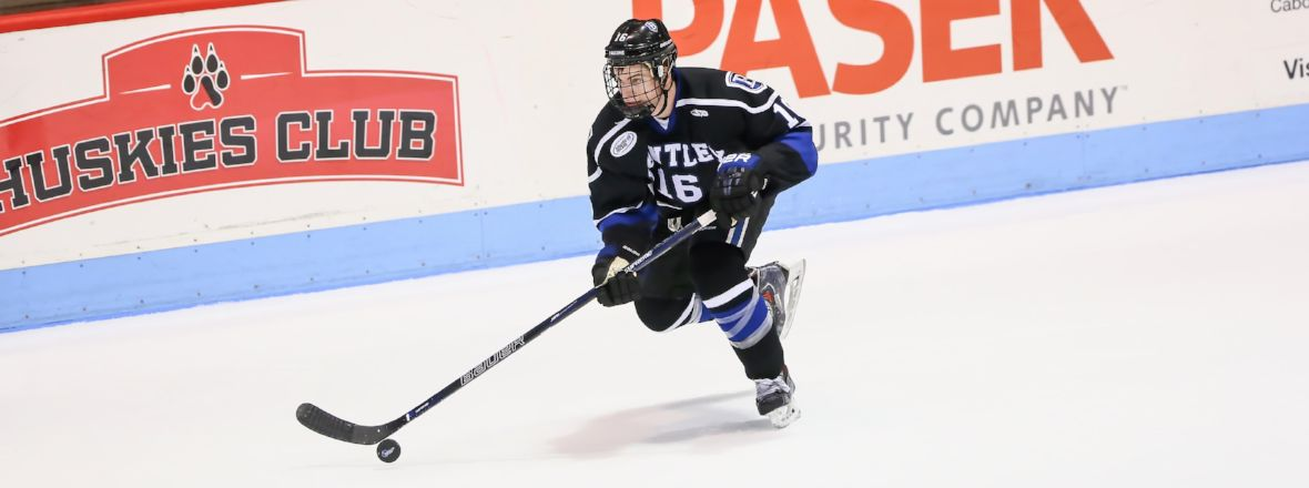 COMETS SIGN FORWARD MAX FRENCH TO ATO