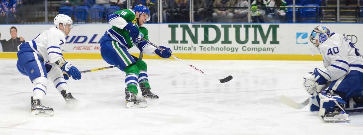CANUCKS RECALL GAUNCE FROM COMETS