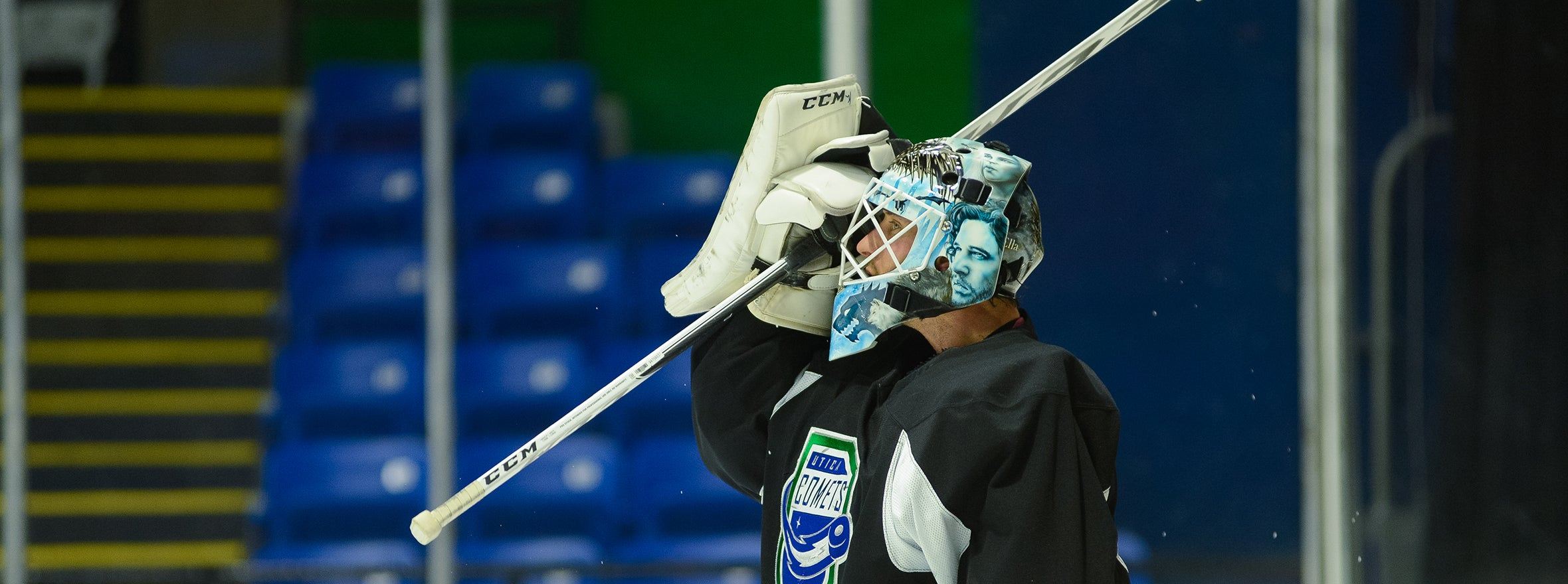 COMETS SIGN MICHAEL LEIGHTON TO PTO